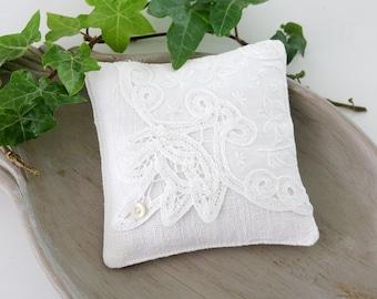 Vintage Battenburg Lace Lavender Sachet, White Bridal Gift, Scented Drawer Sachet