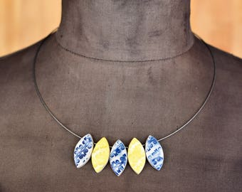 """Ceramic-Necklace """"floral"""" yellow-blue"""