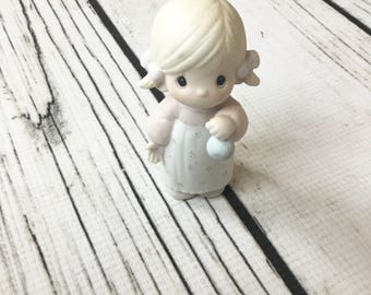 Vintage Precious Moments God Gave His Best figurine
