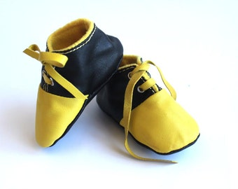 0-3 Months Slippers / Baby Shoes Lamb Leather Yellow and Black