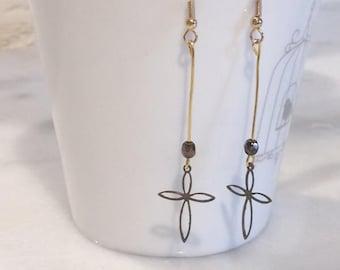 """""""Modern cross"""" earrings"""
