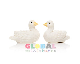 Dollhouse Miniatures Pair of White Duck