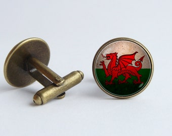 Welsh Dragon cufflinks Flag of Wales cuff links Gift for traveler Patriotic cufflinks Welsh jewelry National symbolic Welsh cufflinks Flags