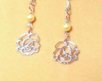 Silver rose Dangle earrings / Flower Pearl Earrings / Gold Pearl Earrings / Flower earrings / Pearl earrings