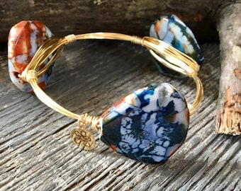 Bourbon & Boweties Inspired Bracelet.  Bohemian Wire Wrapped Faceted Dark Blue, White and Brown Dragon Vein Agate Slice Beaded Bangle.