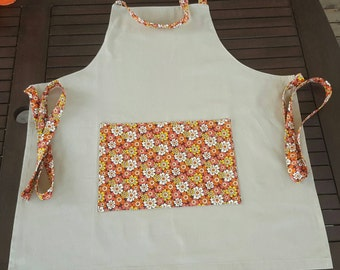 Apron with retro flowers