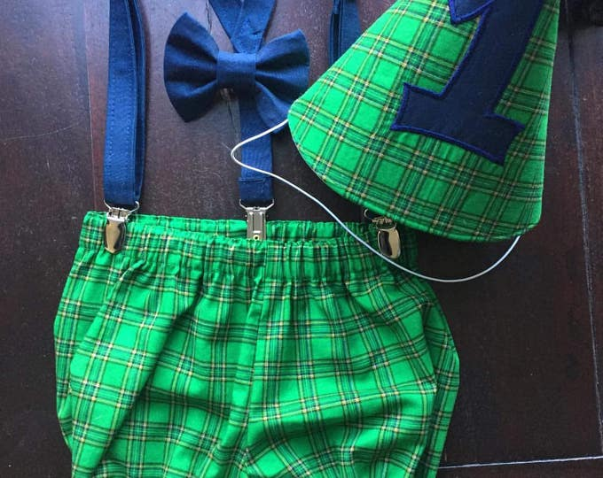 Irish Birthday, Boys Irish Cake Smash Set with Bow Tie, Suspenders, Party Hat, and Diaper Cover handmade by TwoLCreations
