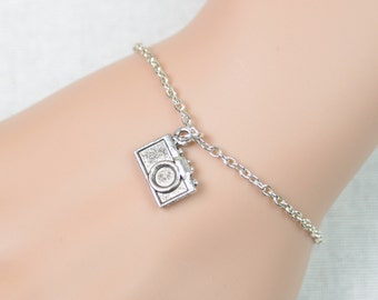 tiny camera bracelet, sterling silver filled, silver camera charm on silver chain,photographer gift,photography bracelet,adjustable bracelet