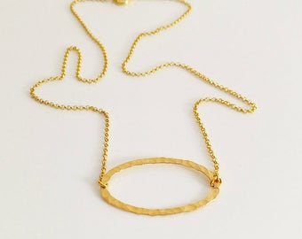 Gold Hammered Necklace, Delicate Hammered Oval Circle, Eternity Necklace, Friendship Necklace, Dainty, Minimalist, Everyday Necklace.