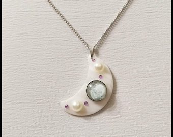 Crescent moon jewelry, crescent moon necklace, half moon necklace, half moon pendant, moon jewelry, mother of pearl, full moon pendant