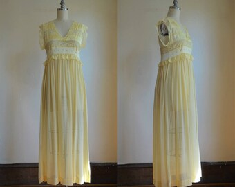 1950s Bergdorf Goodman Silk & Chiffon Night Gown With Couture Details