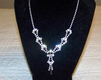 Lovely Vintage Black And White Prong Set Rinestone Necklace