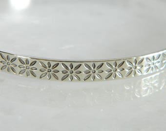 Wonderful Vintage Sterling Silver Bangle Bracelet