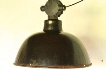 industrial enamel pendant light