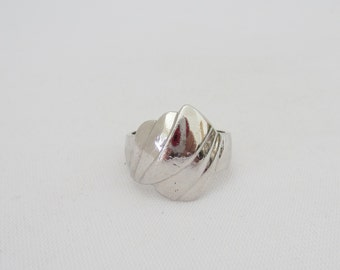 Vintage Modernist Sterling Silver Dome Ring Size 7