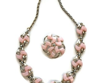 Signed DODDS Pink Lucite Jewelry Set, Vintage 1950s 1960s Thermoset Lucite Brooch and Choker Necklace, Demi Parure, Costume Jewelry
