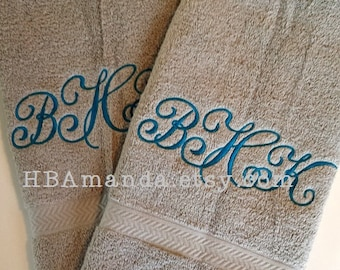 Classic Monogram SET OF 2 hand towels - Monogram 3 Initials hand Towels - Gift wrapping included