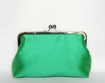 Green Clutch, Silk Clutch, Green Wedding Clutch, Green Bridal Clutch, Green Bridesmaid Clutch, Bridesmaids Gift, Evening Clutch