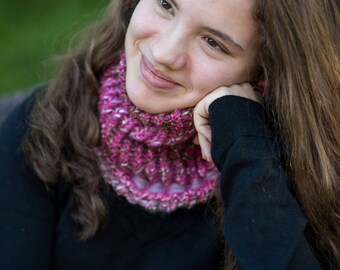 Unique piece, Cozy cowl, Multicolor scarf, Chunky cowl, Woman and girls scarf, Handmade, Ready to Ship