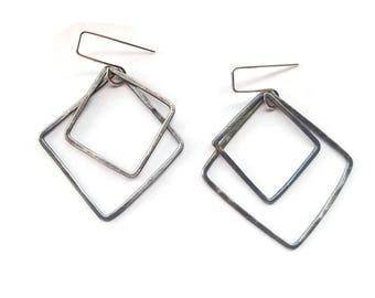 Square Silver Earring / Geometric Earrings / Minimalist Earrings / Hammered Silver Earrings / Silver Dangle Earrings / Oxidized Silver