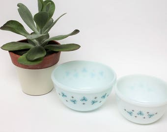 Set of Two Phoenix Opalware Atomic Design Small Mixing Bowls