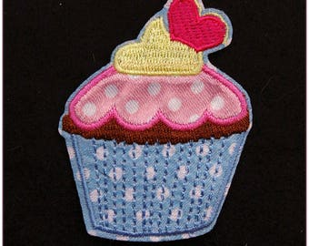 """Embroidered patch fusible cupcakes """"model 3"""" sweet pinup rockabilly cherry x 1"""