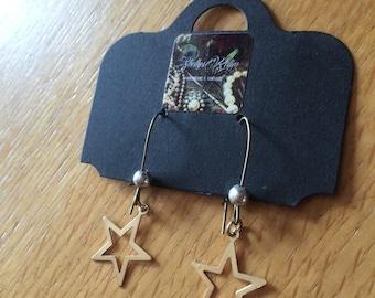 Reclaimed Cut out Star drop earrings