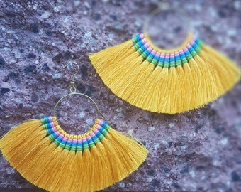 Tassel earrings in brass