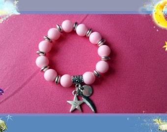 Girl child Boho pink silver tone beaded stretch charm bracelet 5 > 7 years