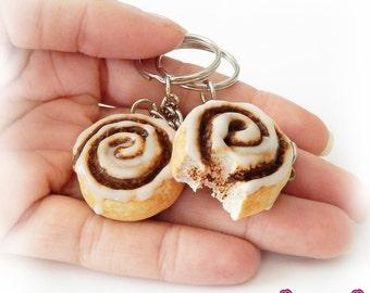 Cinnamon Roll, Best Friend Keychain, Miniature Food Jewelry, Polymer Clay Food, Friendship Keychain, Food Charm Keychain, Kawaii Food, Cute