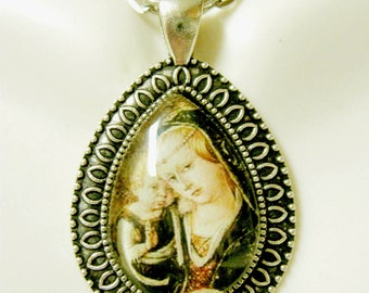 Madonna and child pendant with chain - AP15-045