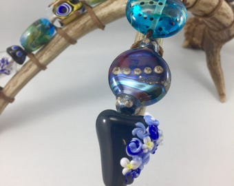 home decor art, taxidermy art, handmade glass beads, flameworked glass, glass bead scuplture, lampwork beads, novelty decor, artisan crafted