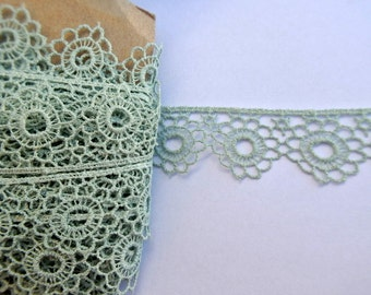 Trim lace, antique vintage rare lace with flowers ornament, 2 yards 1inch width