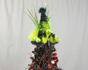 Black and Green Tree Topper, Halloween Tree Topper, Halloween Centerpiece, Green Witch Hat, Halloween Decoration, Witch Centerpiece
