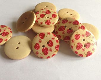 5 buttons in wood pattern Strawberry 3cm