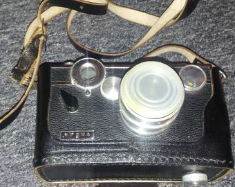 "Vintage Argus C3 35mm camera (c. 1965) - with case/cover/strap - AS IS - ""The Brick"""
