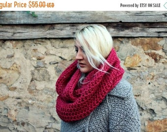 Sale Chunky Cowl Scarf / Womens Knit Snood / Red Cowl Scarf / Handmade Cowl / Infinity Scarf / Circle Scarf / Red / Gift for Her / Womens Gi