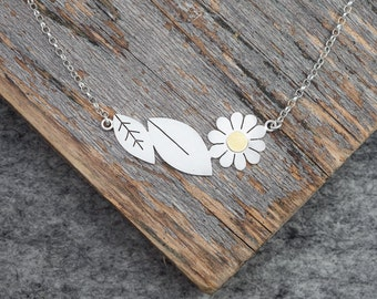 Leaves and Daisy necklace in solid silver and 18ct gold.