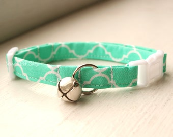 Seafoam Cat Collar, Breakaway Cat Collar, Handmade Cat Collar, Cat Accessories, Pet Accessories, Fabric Cat Collar, Girly Mint Quatrefoil
