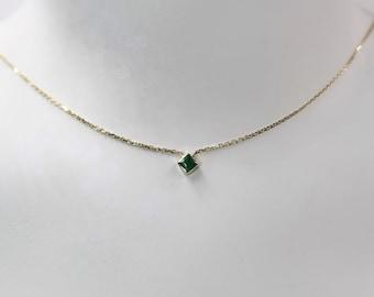 Delicate Natural Green Emerald Princess Cut Necklace