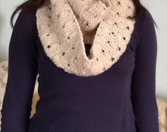 Fashionable scarves and neck-warmers