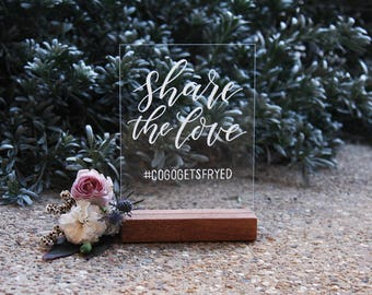 Wedding Instagram Sign. Acrylic Sign. Share The Love Wedding Signs. Wedding Hashtag Sign. Photo Signage. Oh Snap. Social Media.