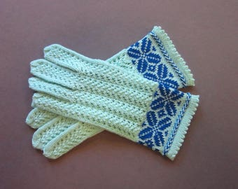 Hand Knit Lace Gloves for Women Wool Knit Gloves Light green Gloves Wool Gloves Womens Knit Gloves