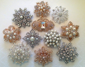 SALE 25 pcs Assortment Large Vintage Style Pearl Crystal Silver Gold Rhinestones Brooch Bouquet Brooches