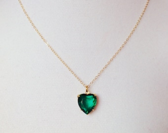 Emerald necklace, emerald heart necklace, beautiful jewelry, statement necklace, green dainty necklace, gold heart necklace, emerald jewelry