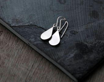 Dangly droplets silver earrings