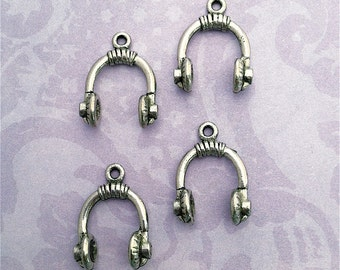 Music Headset Charms ---4 pieces-(Antique Pewter Silver Finish)--style 842-
