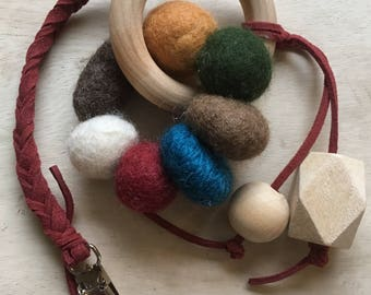 Wood and wool teething toy