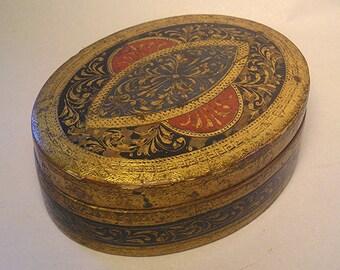 An Antique Oval Italian Florentine Gilt Enamel Distressed Box Z24