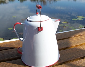Vintage Coffee Pot.Large Vintage Red and White Enamelware Coffee Pot.Vintage Red and White Coffee Pot.Farmhouse Kitchen.Coffee Lover Gift.